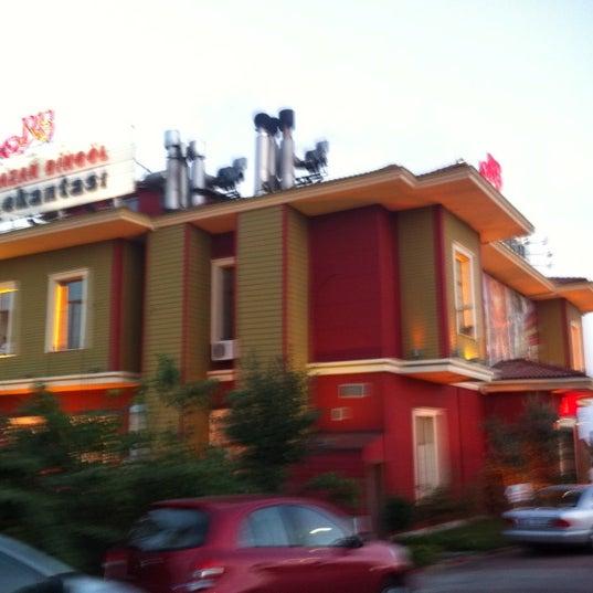 7/26/2012에 Lokman K.님이 Ramazan Bingöl Et Lokantası에서 찍은 사진