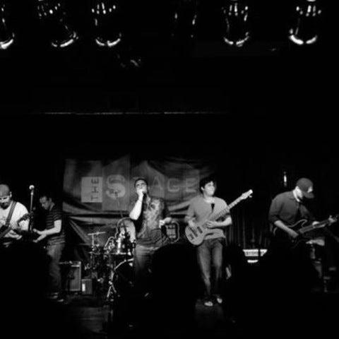 รูปภาพถ่ายที่ The Stage โดย emmanuel เมื่อ 8/17/2012