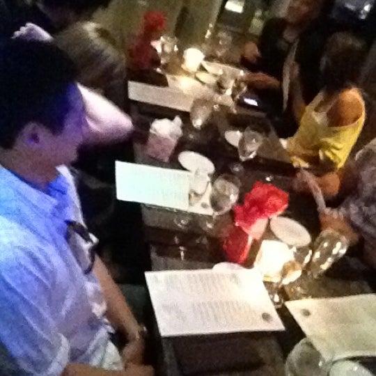 Снимок сделан в Solas Lounge & Rooftop Bar пользователем Cat 5/26/2012