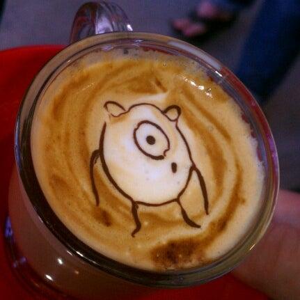 Das Foto wurde bei Elite Audio Coffee Bar von Daniel S. am 8/21/2012 aufgenommen