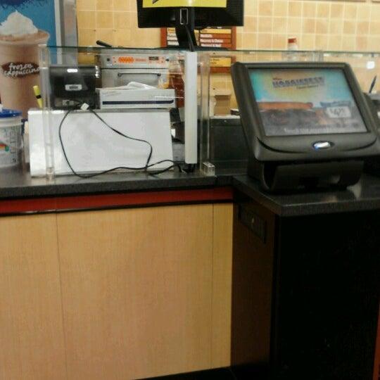 Foto scattata a Wawa da Gregory M. il 7/4/2012