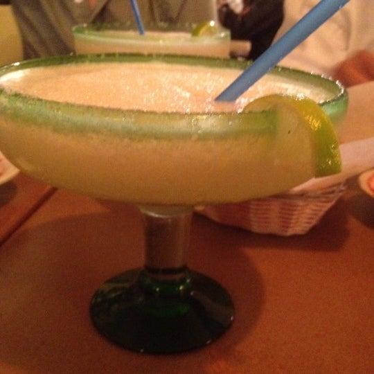 รูปภาพถ่ายที่ Cafe Coyote โดย Christopher L. เมื่อ 3/17/2012