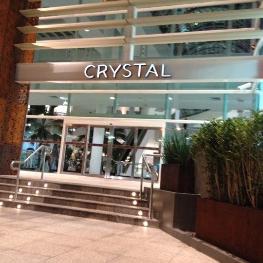 Foto diambil di Shopping Crystal oleh FERNANDO S. pada 5/20/2012