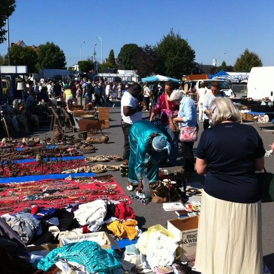 Снимок сделан в Carrefour hypermarché пользователем Agus V. 9/9/2012