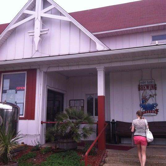 5/16/2012에 Rob D.님이 Outer Banks Brewing Station에서 찍은 사진