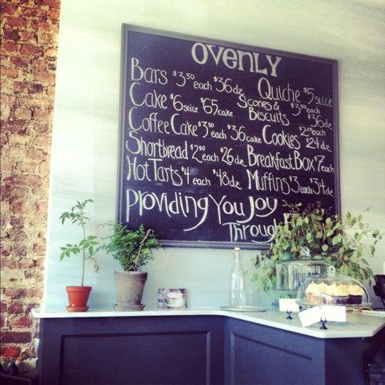 Das Foto wurde bei Ovenly von Lauren G. am 7/1/2012 aufgenommen