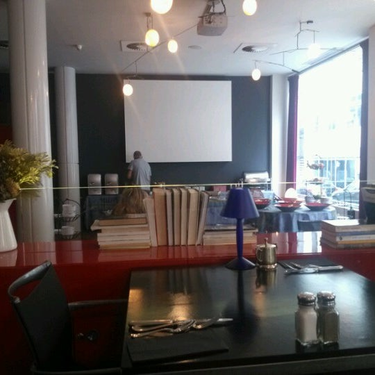 Foto scattata a Hotel de las Letras da chungwon h. il 8/19/2012