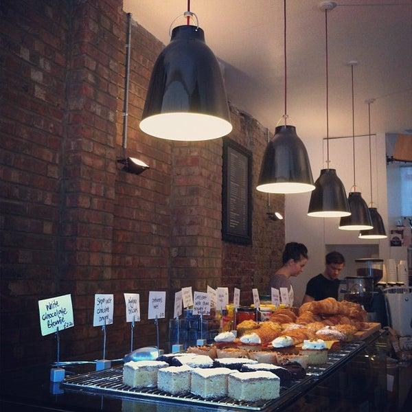 2/25/2012 tarihinde Li J.ziyaretçi tarafından Kaffeine'de çekilen fotoğraf