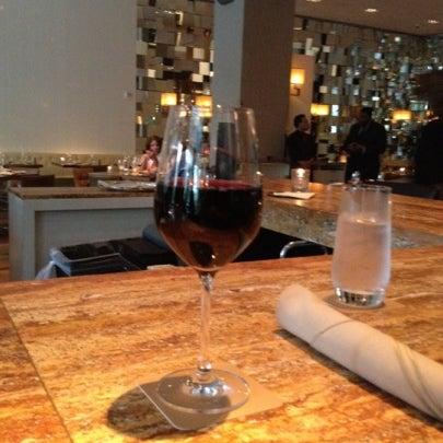 Снимок сделан в SOUTHGATE Bar & Restaurant пользователем Vitaly K. 8/31/2012