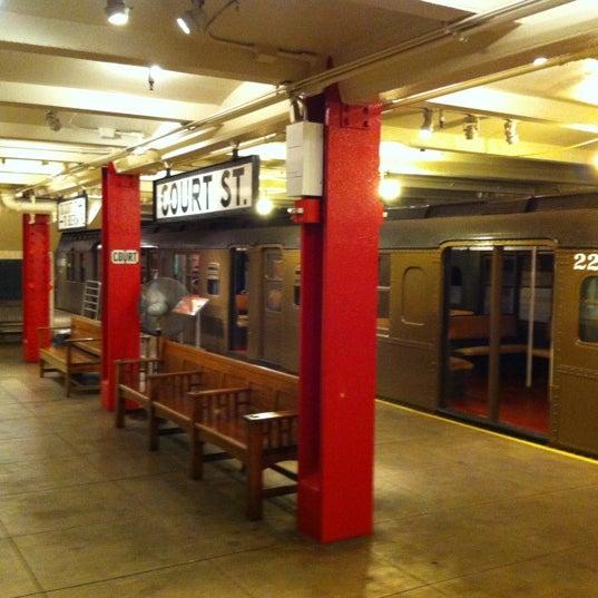 6/5/2012 tarihinde Gizmo 1.ziyaretçi tarafından New York Transit Museum'de çekilen fotoğraf
