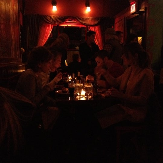 Foto tomada en Allen Street Hardware Cafe por Tom O. el 3/11/2012