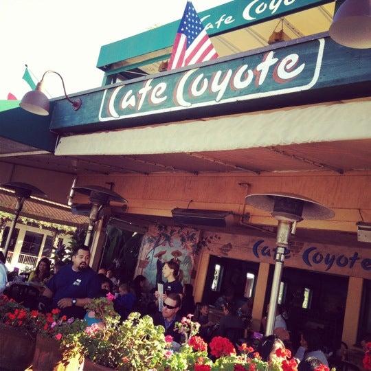 รูปภาพถ่ายที่ Cafe Coyote โดย Dan D. เมื่อ 4/11/2012