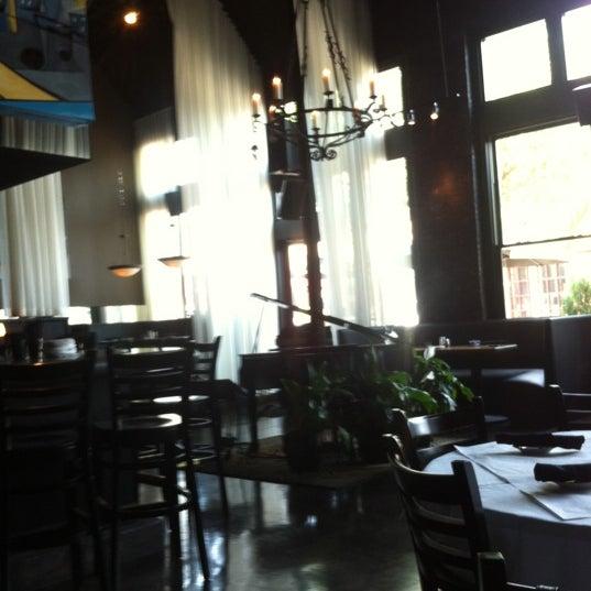 รูปภาพถ่ายที่ Terilli's โดย Steve F. เมื่อ 6/5/2012
