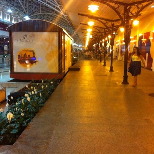3/2/2012 tarihinde Jonas H.ziyaretçi tarafından Shopping Estação'de çekilen fotoğraf