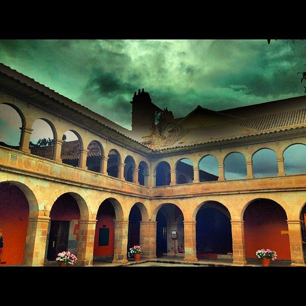 Foto diambil di Belmond Hotel Monasterio oleh Miguel Angel R. pada 4/10/2012