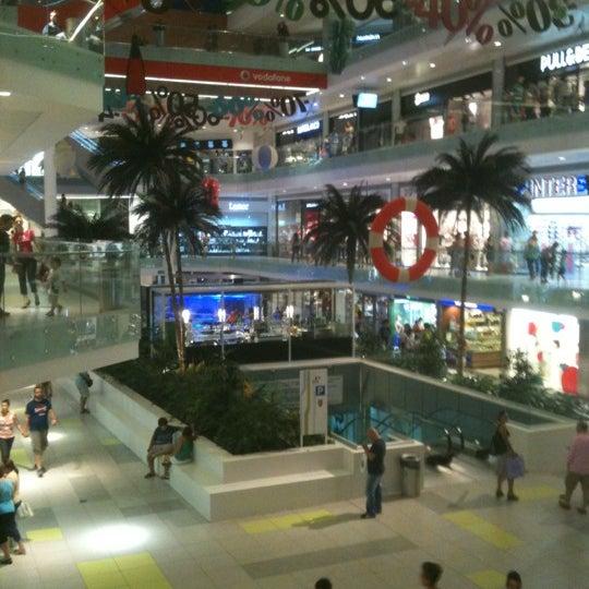 รูปภาพถ่ายที่ Athens Metro Mall โดย miodio🏆🎾🏆 เมื่อ 8/3/2012