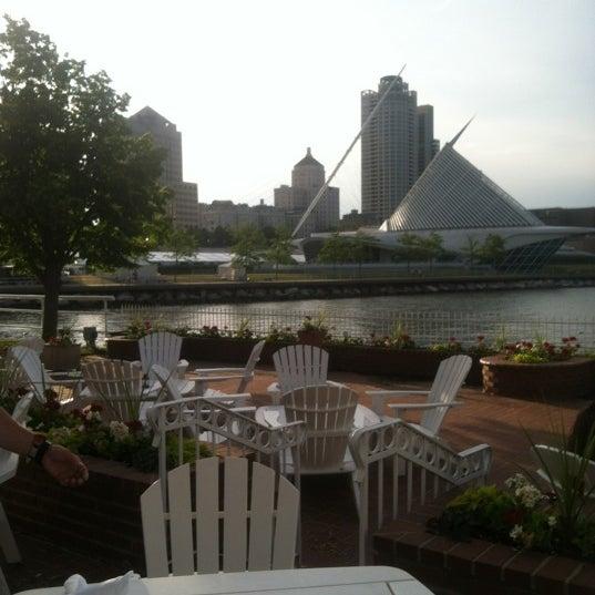 Foto tomada en Harbor House por Jane S. el 6/18/2012