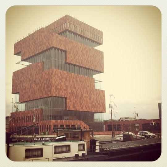 Foto tirada no(a) MAS | Museum aan de Stroom por Carlos em 6/13/2012