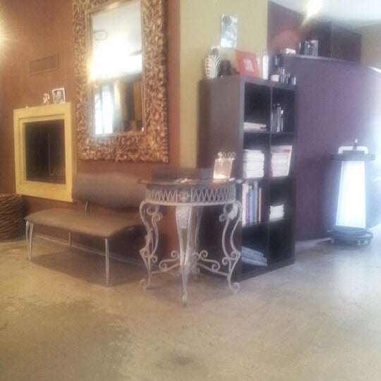 N°9 Coiffure. Salon / Barbershop. La Chaux De Fonds