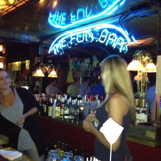 Foto scattata a The Hangge-Uppe da Constance P. il 8/26/2012
