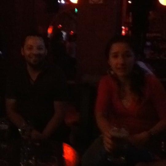 3/1/2012 tarihinde Cris Q.ziyaretçi tarafından Sugar Bar'de çekilen fotoğraf