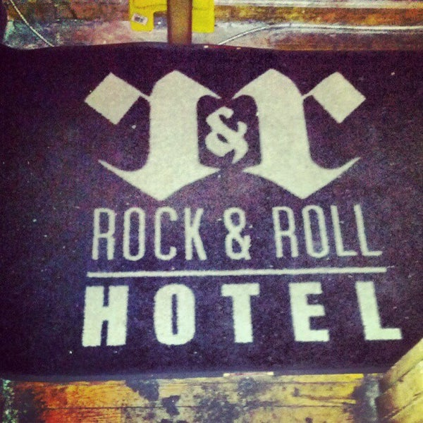 Foto tomada en Rock & Roll Hotel por Toby O. el 6/8/2012