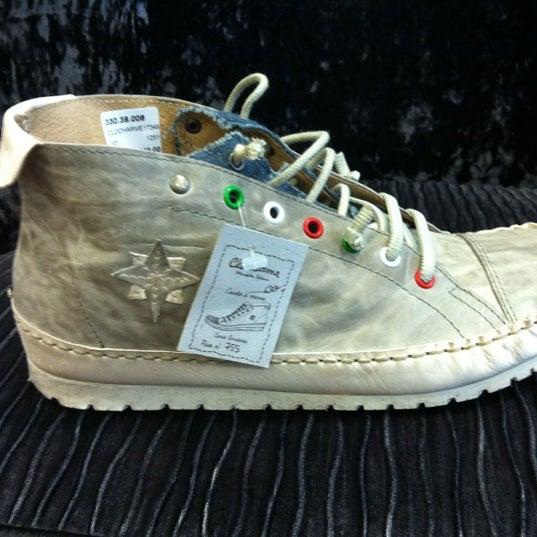 photos at ten eekelder - shoe store