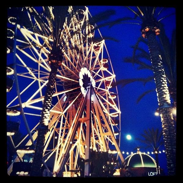 Снимок сделан в Irvine Spectrum Center пользователем Lisa M. 7/3/2012