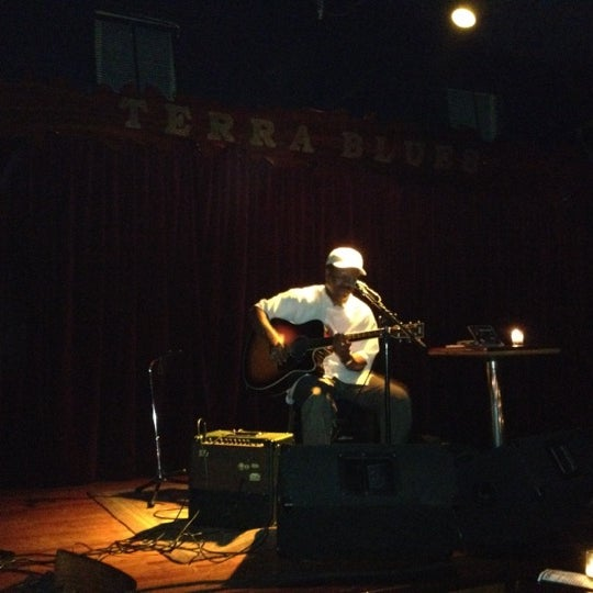 Photo prise au Terra Blues par Paul A. le8/16/2012