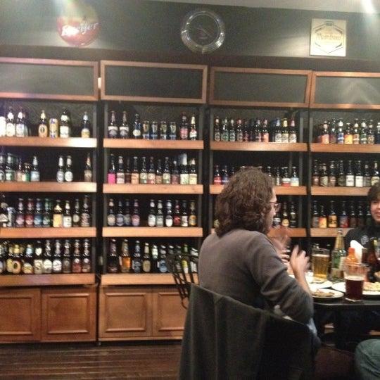 Foto tirada no(a) The Beer Box por Oscar S. em 6/24/2012