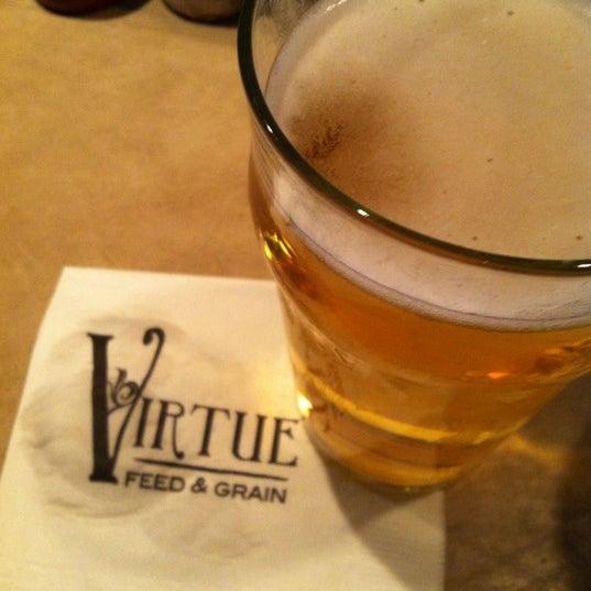 Foto tirada no(a) Virtue Feed & Grain por Jersey F. em 7/7/2012