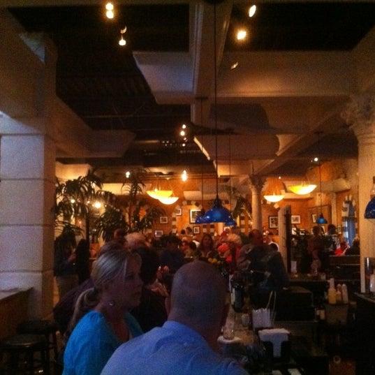 Das Foto wurde bei BRAVO! Cucina Italiana von Andrew R. am 3/24/2012 aufgenommen