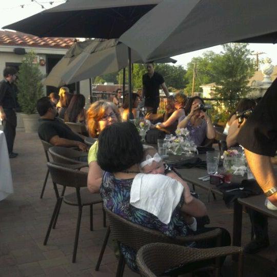รูปภาพถ่ายที่ Terilli's โดย Lisa B. เมื่อ 5/6/2012