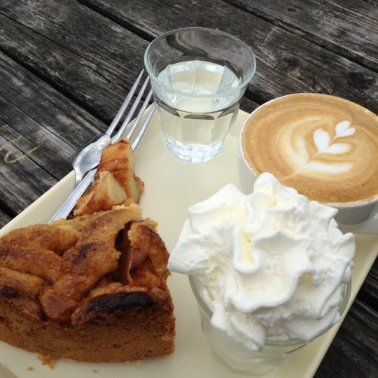 Foto tomada en Espressofabriek por Dan P. el 6/19/2012