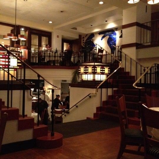 Das Foto wurde bei Beacon Restaurant & Bar von Richard G. am 3/28/2012 aufgenommen