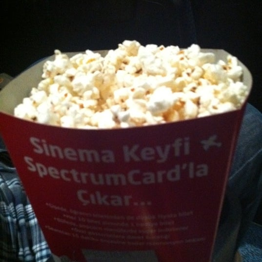 Снимок сделан в Spectrum Cineplex пользователем Emine D. 8/28/2012