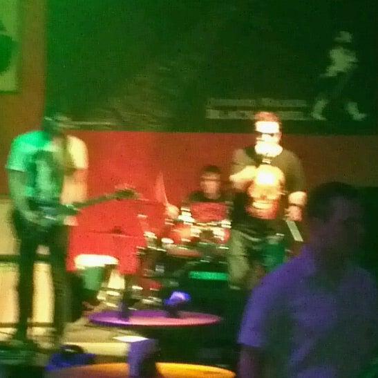 6/29/2012にJosé LuizがOzzie Pubで撮った写真
