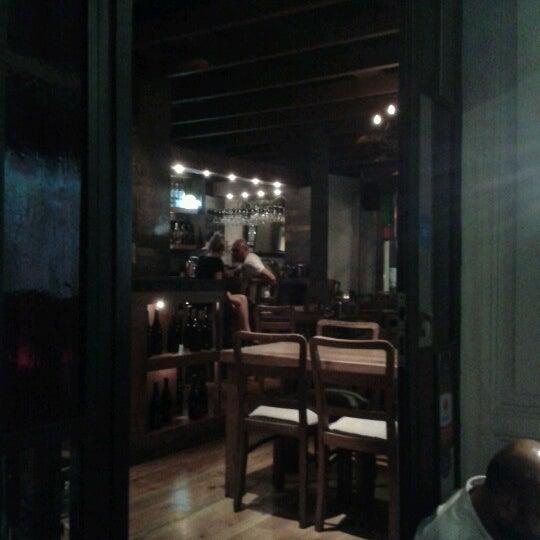6/30/2012 tarihinde Ödül K.ziyaretçi tarafından Mica Restaurant & Bar'de çekilen fotoğraf