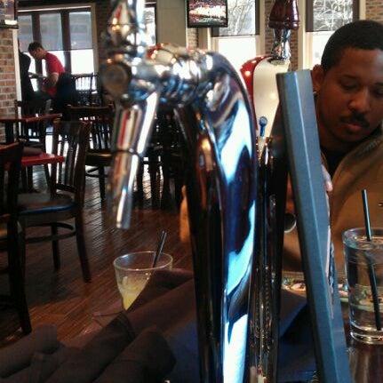 Das Foto wurde bei Redline von Kamau C. am 3/10/2012 aufgenommen