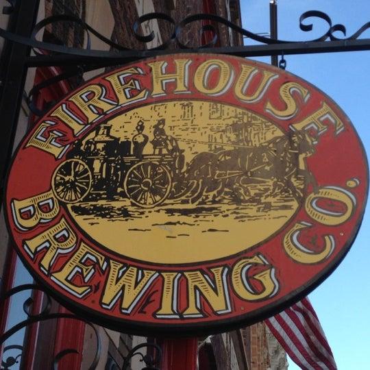 รูปภาพถ่ายที่ Firehouse Brewing Company โดย Randy C. เมื่อ 5/29/2012