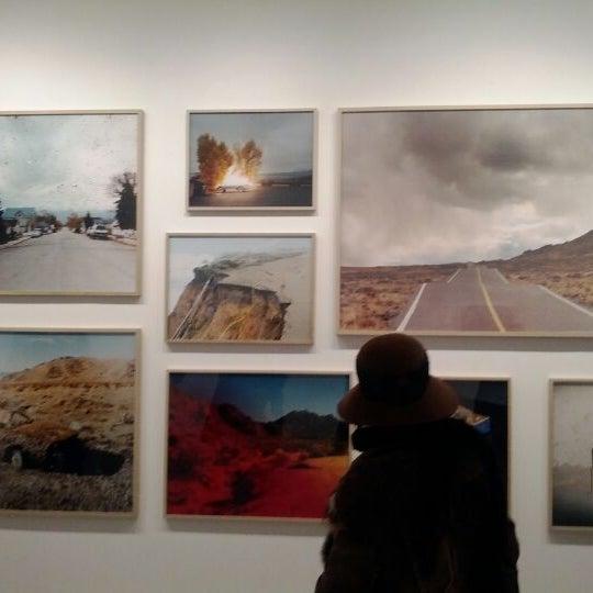 Photo prise au Bruce Silverstein Gallery par MuseumNerd le2/11/2012