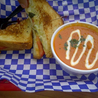 Had the Old Reliable with Tomato Fennel Soup- very delicious, exactly what I wanted. Friend had the cold turkey and it was super tasty as well.