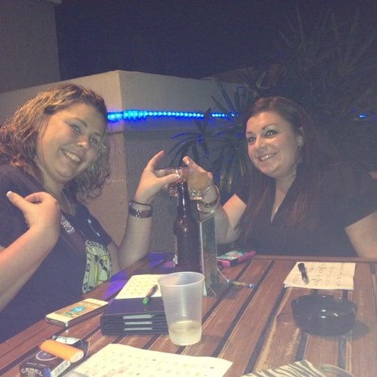 Foto tirada no(a) Teak Neighborhood Grill por Kelly R. em 3/16/2012