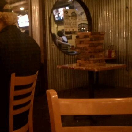 Foto scattata a OT Tavern da Caleb B. il 5/18/2012