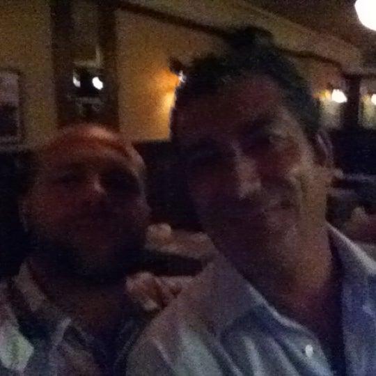 Das Foto wurde bei Luke's Bar & Grill von Alex G. am 7/21/2012 aufgenommen