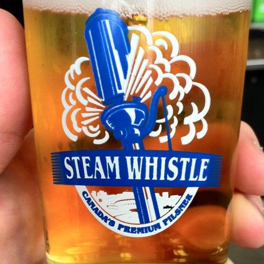 8/14/2012 tarihinde Patrick J.ziyaretçi tarafından Steam Whistle Brewing'de çekilen fotoğraf