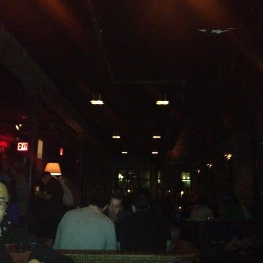 Photo prise au The Vault at Pfaff's par Dave B le3/18/2012