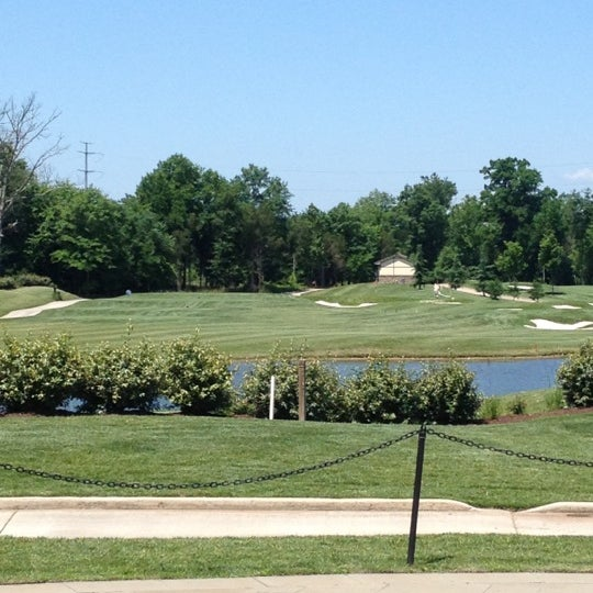 Foto tomada en 1757 Golf Club por Jordan F. el 6/8/2012