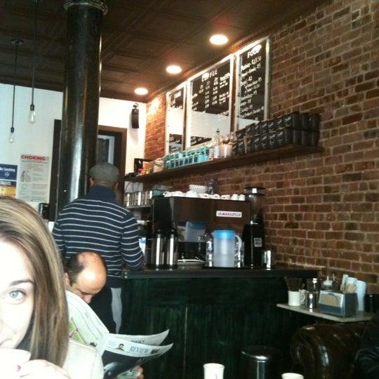 2/25/2012にDrew C.がLenox Coffeeで撮った写真