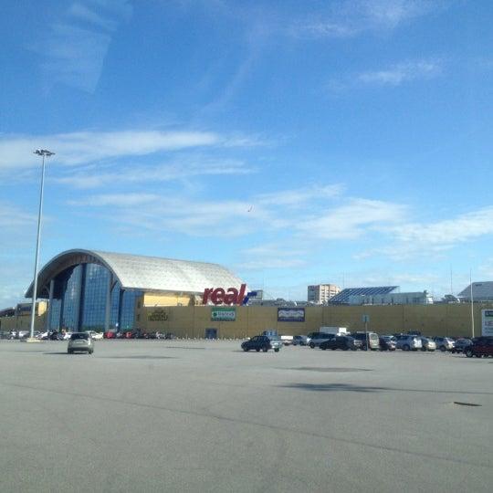 Снимок сделан в ТРК «Северный Молл» пользователем Natalya K. 5/31/2012